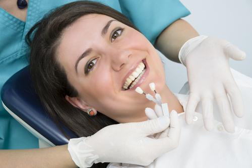 מעבדת שיניים איכותית תדאג לחומרים הטובים ביותר והתאמה מלאה של התותבת למבנה הלסת וחלל הפה, מה שיבטיח נוחות למשך תקופה ארוכה ככל האפשר.
