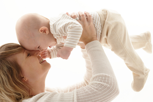 מעקבי הריון מתבצעים בכל הריון, אך במקרים של הריון בסיכון גבוה ישנו צורך במעקב צמוד יותר ובבדיקות נוספות להריון רגיל.