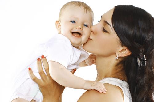 מדי שנה מתבצעים בישראל מעל ל-30 אלף מחזורי טיפול של הפרייה חוץ-גופית, ישראל נחשבת לשיאנית בעולם בטיפולי IVF.